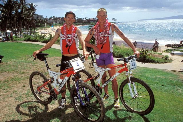 Ned Overend with Conrad Stoltz at the 2001 XTERRA World Championships in Maui.