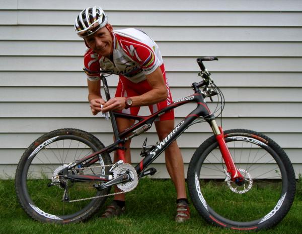 edge wheels lean over specialized bike
