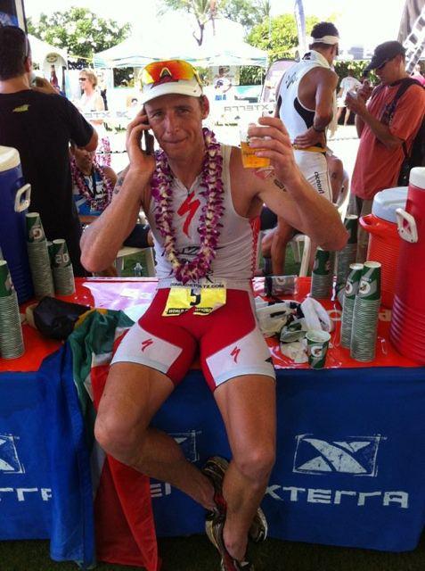 conrad-stoltz-xterra-world-champs-2010-beer-iphone-in-hand