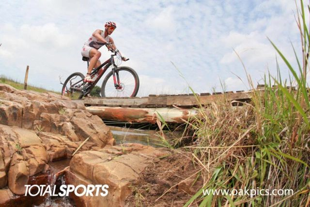 conrad-stoltz-xterra-buffelspoort-2012-bike-leg