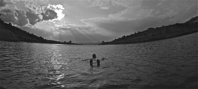conrad-stoltz-open-water-swimming-black-and-white