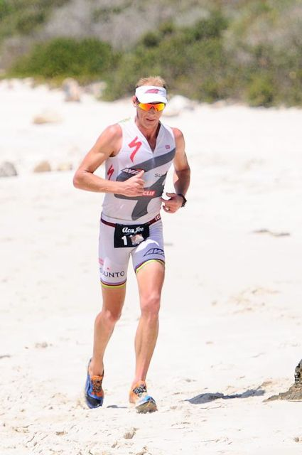 conrad-stoltz-winning-west-coast-warm-water-weekend-2012-beach-run