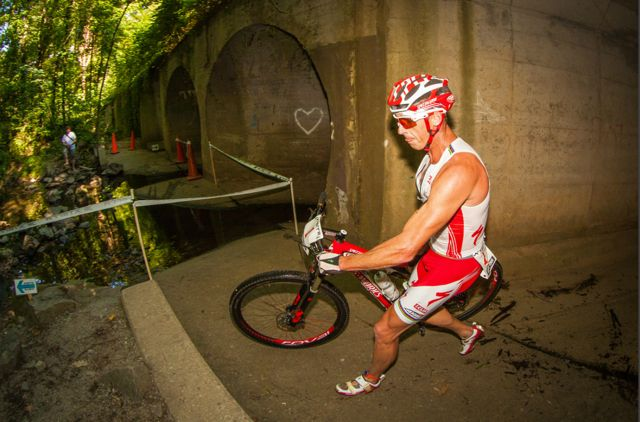 conrad-stoltz-xterra-richmond-2012-by-jesse-peters-running-the-tunnel