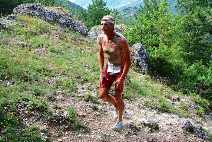 Conrad Stoltz Caveman XTERRA Italy Scanno run course Hoke One One Stinson