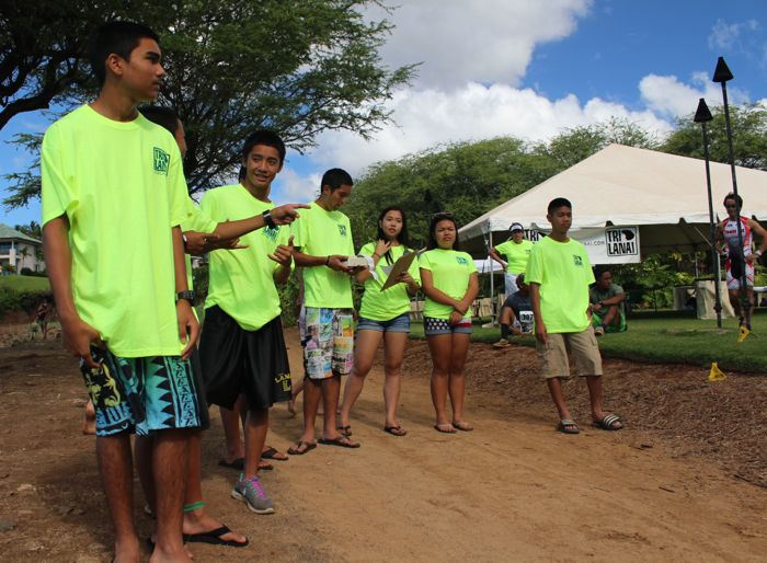 Conrad Stoltz TriLanai Lanai High School kids volunteer