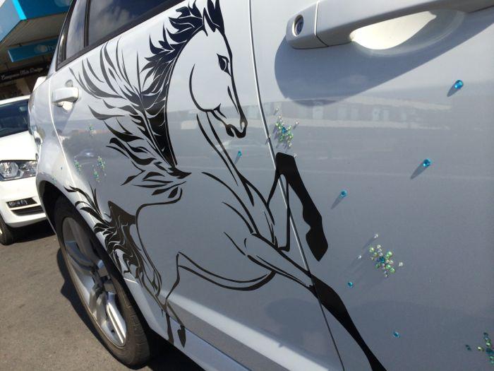 Conrad Stoltz Caveman Aussie car art