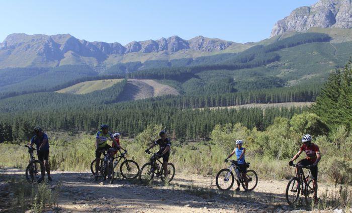 Conrad Stoltz Caveman MTB Skills Clinic Mountain bike skills Specialized Jonkerhoek Valley