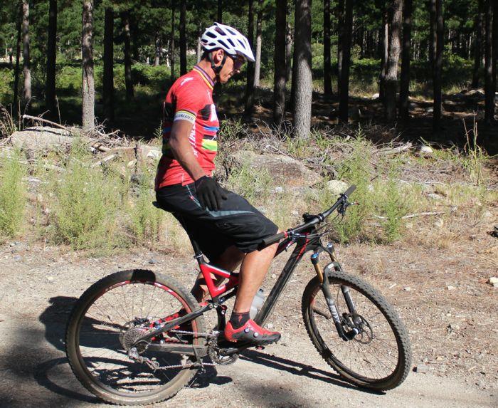 Conrad Stoltz Caveman MTB Skills Clinic Mountain bike skills Specialized No hands balance practice