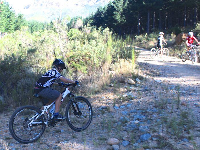 Conrad Stoltz Caveman MTB Skills clinic Rocky hill start