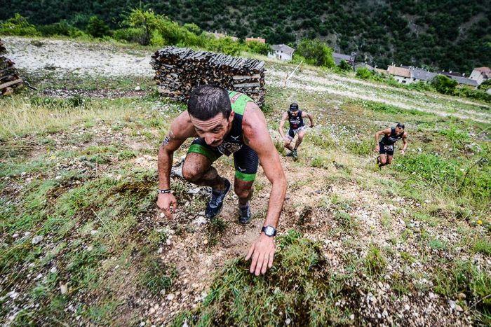 Conrad Stoltz Caveman XTERRA Italy 2014 wood run