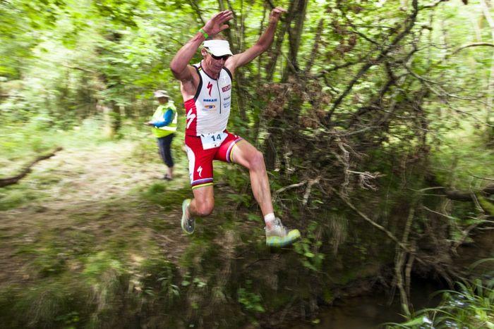 Conrad Stoltz Caveman XTERRA UK Jump 2 Hoka One One