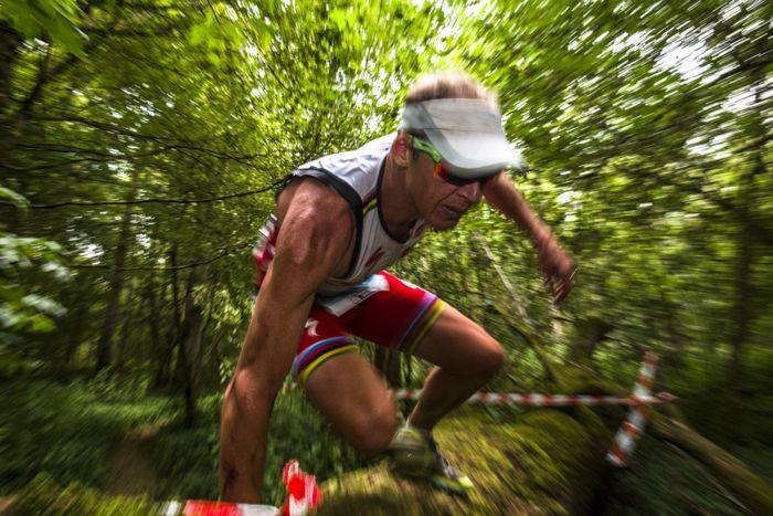Conrad Stoltz Caveman XTERRA UK Log jump