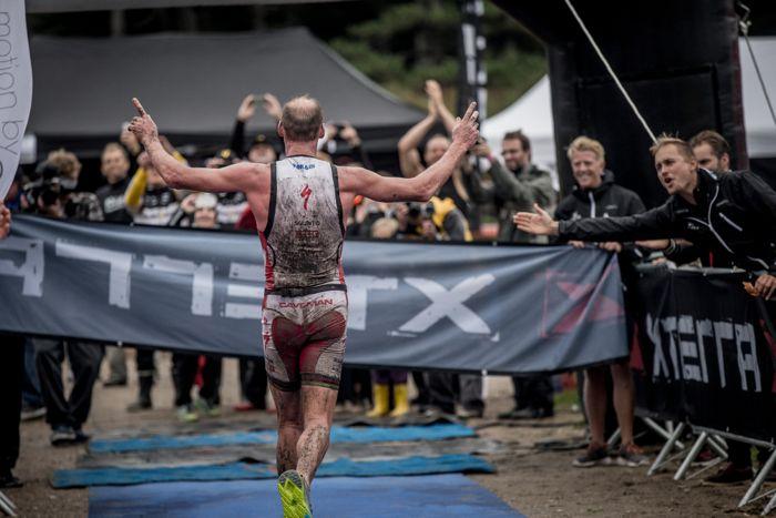 Conrad Stoltz Caveman XTERRA Denmark Specialized, Suunto, Hoka, ClifBar finish
